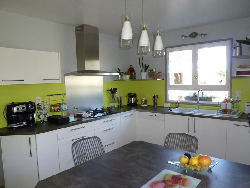 table de cuisine vert anis