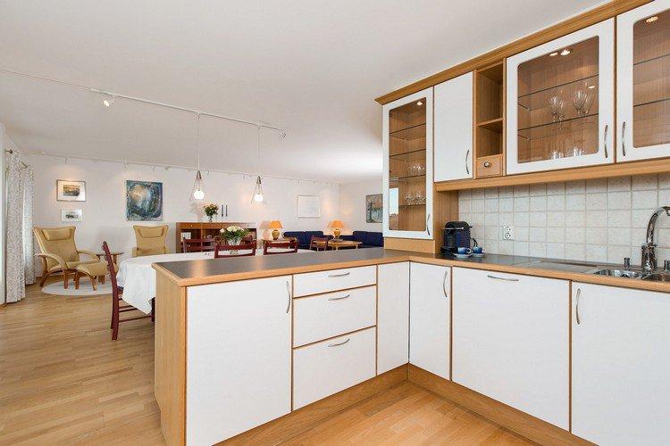 plan armoire de cuisine en bois tout sur la cuisine et le mobilier cuisine. Black Bedroom Furniture Sets. Home Design Ideas