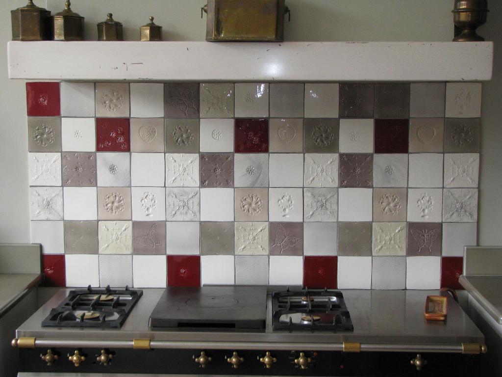 modele carrelage cuisine marocaine tout sur la cuisine et le mobilier cuisine. Black Bedroom Furniture Sets. Home Design Ideas