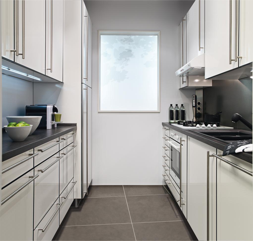 Emejing Cuisine Petite Surface Pas Cher Ideas - House Design ...