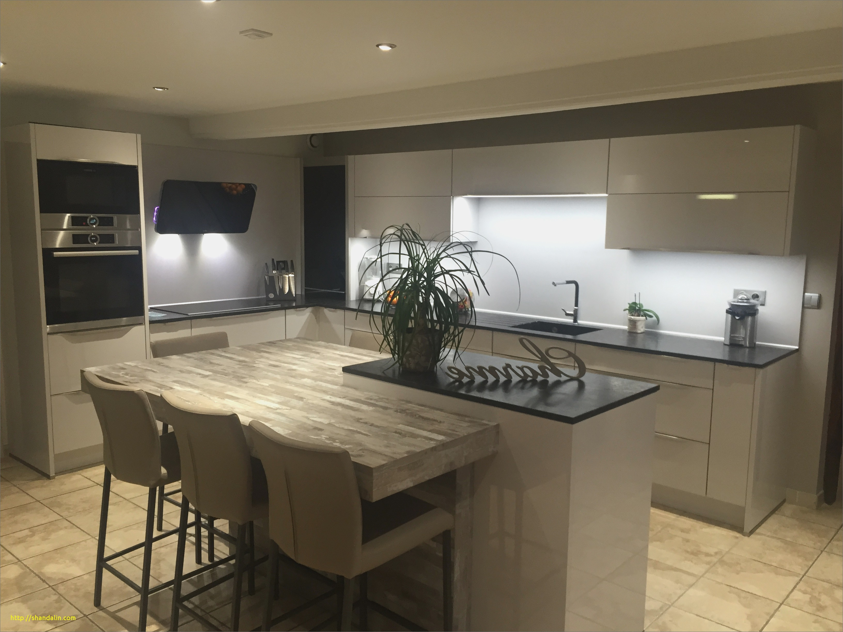 tout sur la cuisine et le mobilier cuisine page 90 sur 190. Black Bedroom Furniture Sets. Home Design Ideas