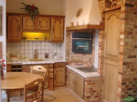 modele cuisine traditionnelle tout sur la cuisine et le mobilier cuisine. Black Bedroom Furniture Sets. Home Design Ideas