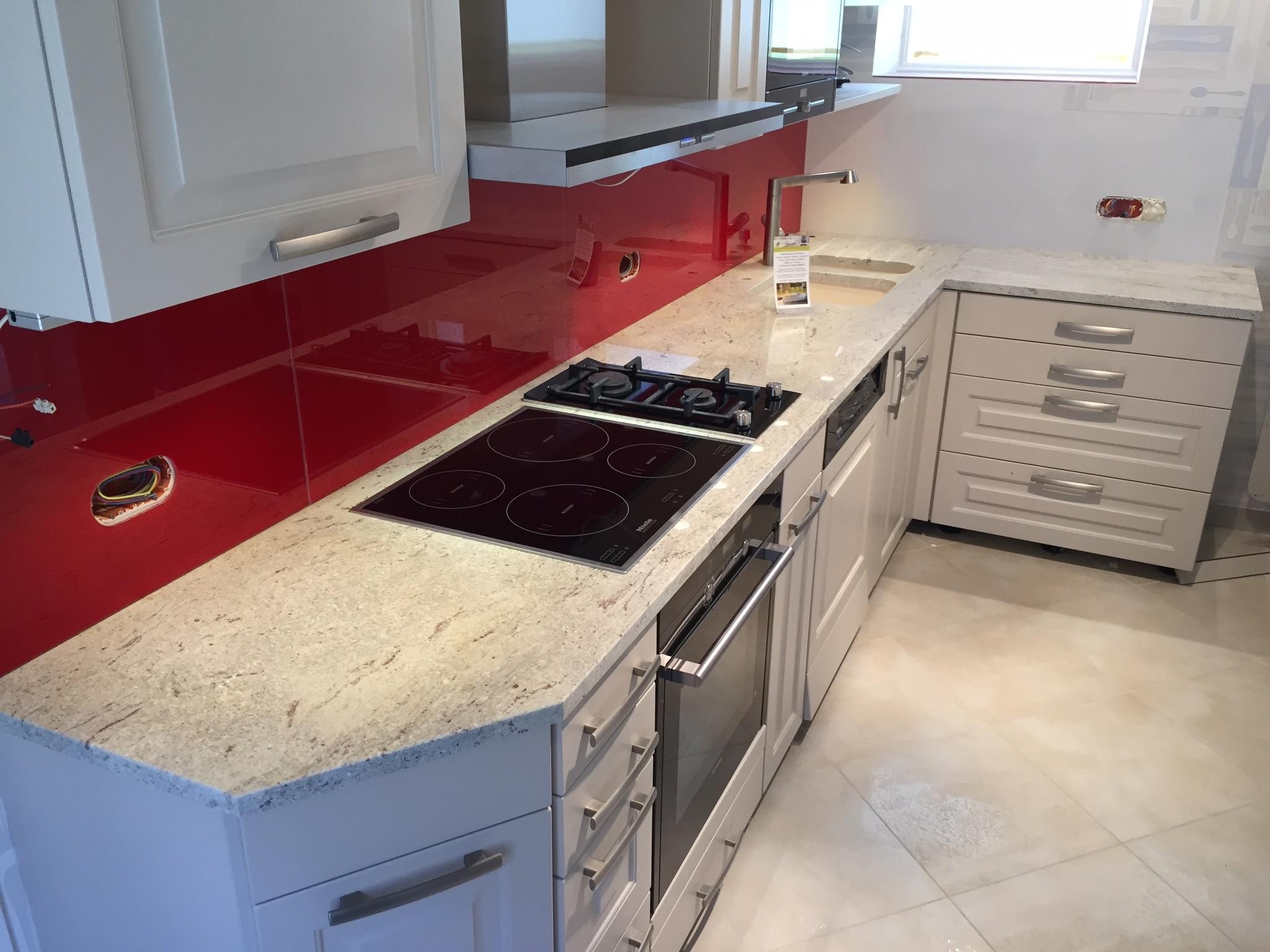 plan de travail cuisine en granit good plan de travail cuisine granit plan travail cuisine. Black Bedroom Furniture Sets. Home Design Ideas
