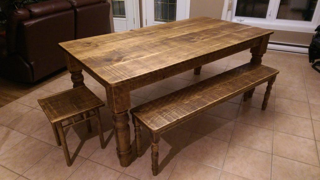 Grande table de cuisine en bois a vendre tout sur la